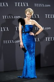 Maria Leon cut an ultra-glamorous figure in this plush velvet gown at the Telva Awards in Madrid.