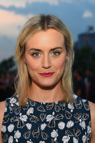 More Pics of Taylor Schilling Berry Lipstick (2 of 3) - Makeup Lookbook - StyleBistro [hair,face,blond,hairstyle,eyebrow,lip,beauty,skin,chin,fashion,thakoon,taylor schilling,front row,new york city,new york fashion week,fashion show]
