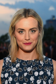 Taylor Schilling attended the Thakoon fashion show wearing unstyled shoulder-length hair.