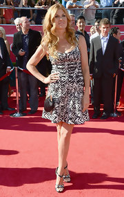 Connie Britton chose a monochromatic print for the ESPY red carpet.