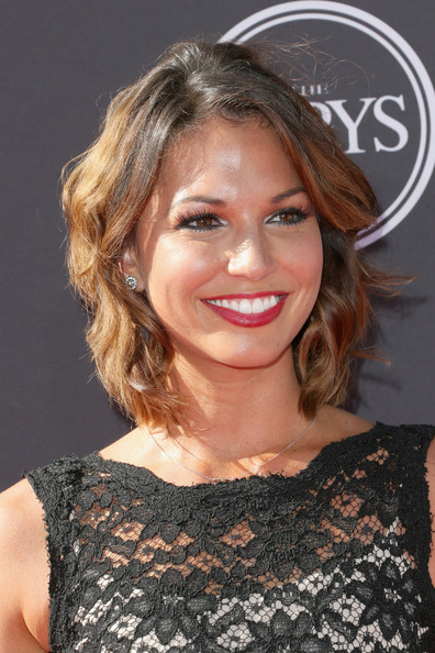 More Pics of Melissa Rycroft Short Wavy Cut (1 of 3) - Short Hairstyles Lookbook - StyleBistro