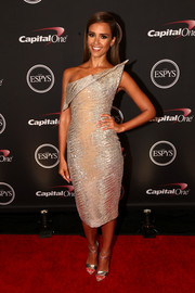 Jessica Alba shone at the ESPYs in an ultra-modern silver Elie Saab Couture strapless dress with a sculptural neckline.