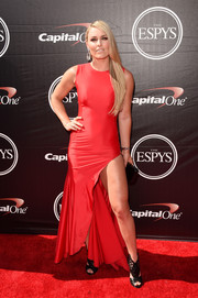 Lindsey Vonn put her super-toned leg on display in a high-slit red gown by Devi Kroell during the ESPYs.