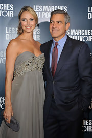 Stacy Keibler accented her stunning Grecian gown with a pewter crepe de chine Diana clutch.
