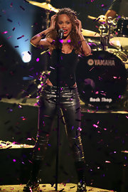 Amanda rocked a pair of faux leather jeans on the stage at the Dome 61 show.