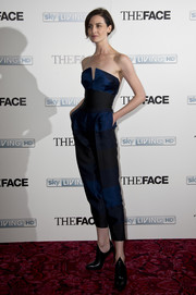 Erin O'Connor looked so svelte in her strapless jumpsuit during the launch of 'The Face.'