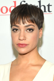 Cush Jumbo sported her signature pixie when she attended the world premiere of 'The Good Fight.'