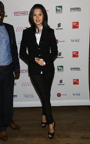 Hilaria Baldwin opted for a casual yet smart ensemble, consisting of black platform peep-toes, skinny jeans, and a fitted jacket, when she attended the Inaugural Hope North Gala.