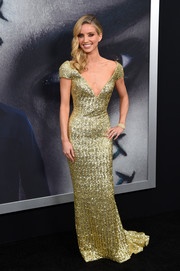 Annabelle Wallis went for high shine in a fully sequined gold gown by Armani at the 'Mummy' New York fan event.