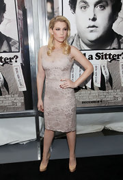 Ari Graynor wore a cream lace cocktail dress with a sheer neck yoke at the premiere of 'The Sitter.'