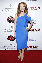 Jane Seymour looked lovely, as always, in this single-shoulder knit gown at the pre-Oscar party in Beverly Hills.