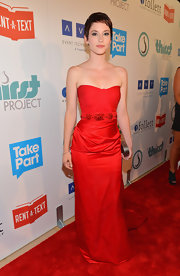 At The Thirst Project's 3rd Annual Gala in LA, Chyler worked the red carpet in this incredibly glamorous strapless red gown.