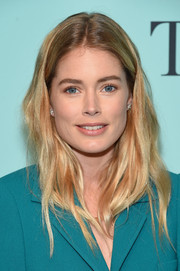 Doutzen Kroes kept it relaxed with this loose, subtly wavy hairstyle at the Tiffany & Co. Blue Book Collection Gala.