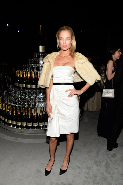 More Pics of Carolyn Murphy Pink Lipstick (1 of 11) - Pink Lipstick Lookbook - StyleBistro