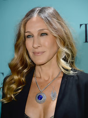 Sarah Jessica Parker's nude lip has just the right amount of pink undertones.