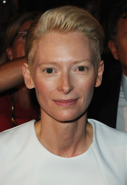 Tilda Swinton Fauxhawk [the screening for the ``lo sono lamore premiere at the sala grande during the 66th venice film festival,hair,face,eyebrow,hairstyle,forehead,chin,blond,cheek,lip,nose,tilda swinton,amore,actress,venice,italy,red carpet - 66th venice film festival]