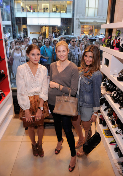 More Pics of Olivia Palermo Classic Bun (1 of 8) - Olivia Palermo Lookbook - StyleBistro