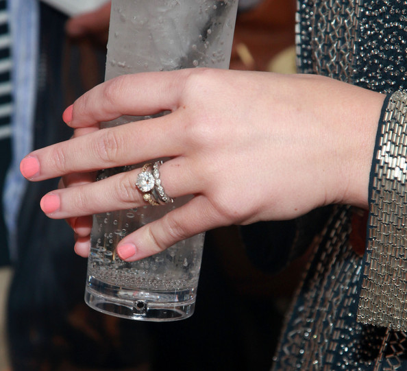 Brooklyn Decker flaunted her gorgeous diamond ring at the Toast to Annie Ladino event.