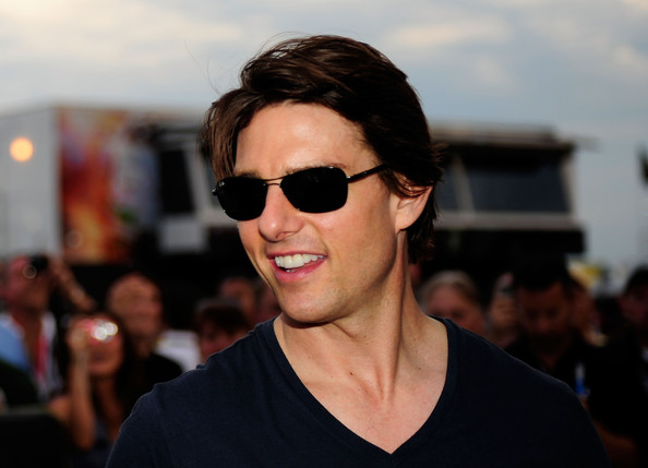 Tom Cruise Oval Sunglasses [eyewear,hair,sunglasses,face,glasses,hairstyle,cool,vision care,chin,fashion,tom cruise,pits,hampton,georgia,atlanta motor speedway,pep boys auto 500,nascar sprint cup series]