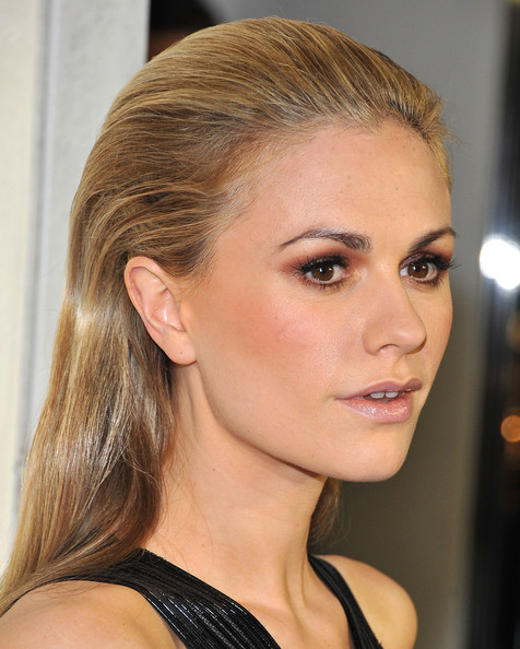 More Pics of Anna Paquin Long Straight Cut (5 of 19) - Anna Paquin Lookbook - StyleBistro
