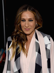 Sarah Jessica Parker sported vibrant ombre waves during the Tome fashion show.