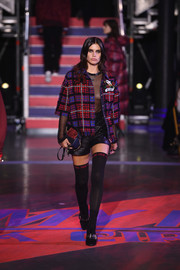 Black mid-calf boots completed Sara Sampaio's outfit.