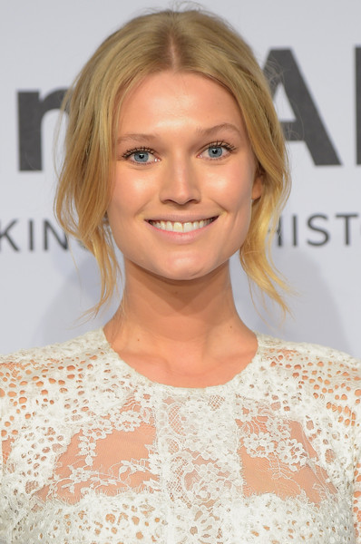 Toni Garrn Beauty