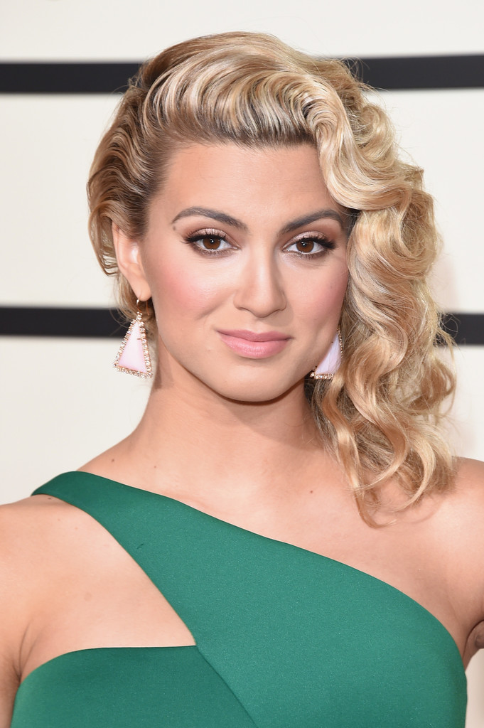 Tori Kelly Jewelry Looks Stylebistro