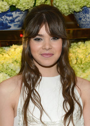 Hailee Steinfeld looked fetching with her retro-chic half-up 'do at the Tory Burch Rodeo Drive opening.