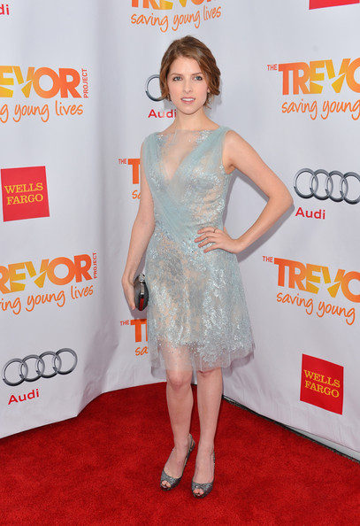 More Pics of Anna Kendrick Loose Bun (1 of 22) - Anna Kendrick Lookbook - StyleBistro