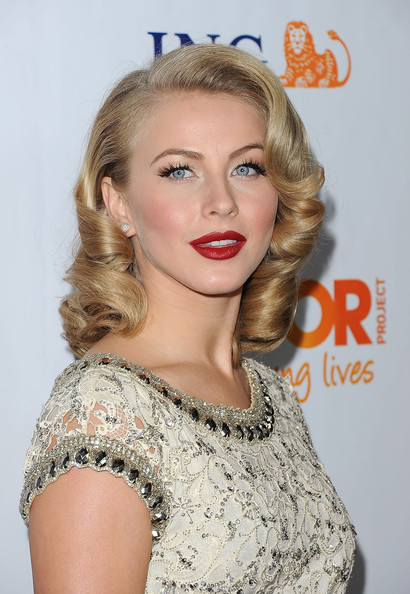 More Pics of Julianne Hough Red Lipstick (1 of 14) - Julianne Hough Lookbook - StyleBistro