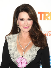 Lisa Vanderpump kept it classic with this loose side-parted style with curly ends at the 2016 TrevorLIVE LA.