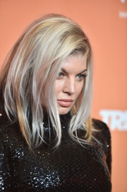 Fergie sported a trendy shoulder-length layered cut at the 2017 TrevorLIVE LA Gala.