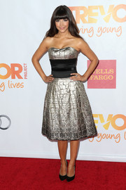 Hannah Simone was an absolute darling in a metallic silver and black strapless dress during TrevorLIVE.