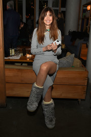Carol Alt complemented her dress with bulky gray snow boots.