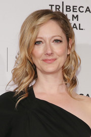 Judy Greer looked lovely with her piecey spiral waves at the Tribeca Film Festival Awards.