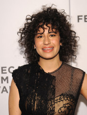 Ilana Glazer attended the Tribeca Film Fest screening of 'Broad City' rocking messy curls.