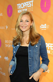 Jennifer Westfeldt made her LBD look a little less formal with the addition of a denim jacket.