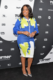 Niecy Nash was casual and cool in a color-block track jacket while attending the Turner Upfront.