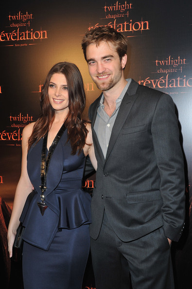 More Pics of Robert Pattinson Men's Suit (1 of 9) - Robert Pattinson Lookbook - StyleBistro