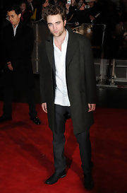 Robert Pattinson wore a long gray wool coat on the red carpet.