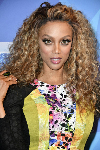Tyra Banks Long Curls
