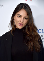 Eiza Gonzalez sported a casual curly hairstyle at the Innovators for a Healthy Planet event.