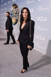 Courteney Cox opted for a simple black pantsuit when she attended the 2019 Hollywood for Science Gala.