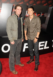 Glee star Harry Shum wore a button down top and dark jeans to the UFC after-party.