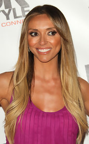 Giulana Rancic wore her hair straight and sleek and the UK Style event.