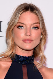 Martha Hunt styled her hair with gentle waves for the UNITAS Gala Against Human Trafficking.