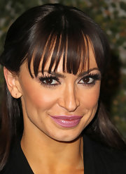 Nothing sets off gorgeous eyes like a pair of perfectly placed false lashes. Karina Smirnoff added lash strips to both the top and bottom lash lines to create this eye-opening look at Ubisoft's Just Dance 3 launch party.