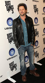 Jamie Kennedy spiced up his usual button down and jeans uniform by throwing in a handsome pair of leather cowboy boots.