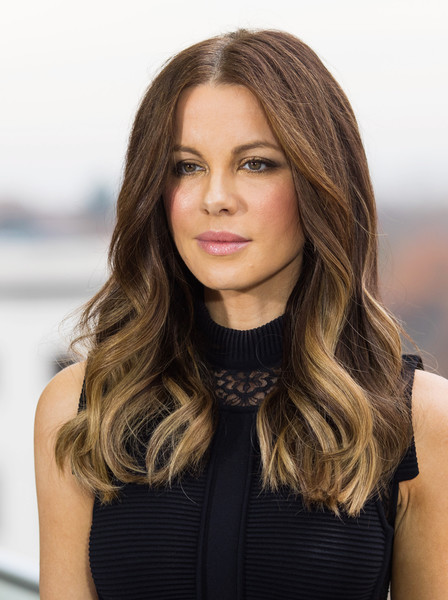 Kate Beckinsale attended the 'Underworld: Blood Wars' photocall in Berlin wearing her hair in boho-glam waves.